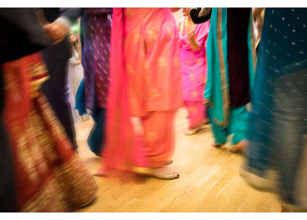 vibrant wedding at Hylands House photo photos photographer Chelmsford Essex wedding dance dancing photography eyeshine