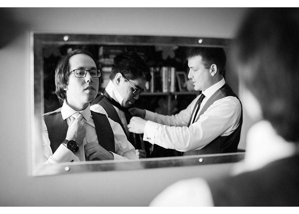 Rayleigh Wedding photo photos photographer Rayleigh Essex wedding photography eyeshine groom preparations best man ushers