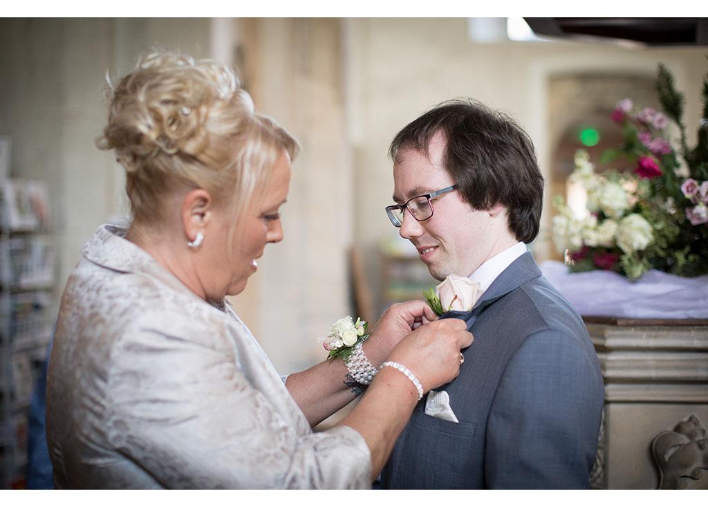 Rayleigh Wedding photo photos photographer Rayleigh Essex wedding church photography eyeshine groom
