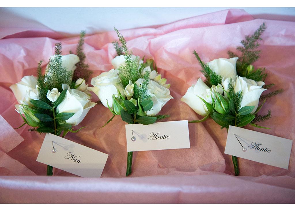 Rayleigh Wedding photo photos photographer Rayleigh Essex wedding photography eyeshine flowers florist buttonholebridal preparations