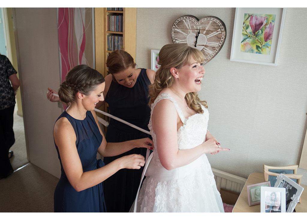 Rayleigh Wedding photo photos photographer Rayleigh Essex wedding church photography eyeshine bride bridal preparations wedding dress