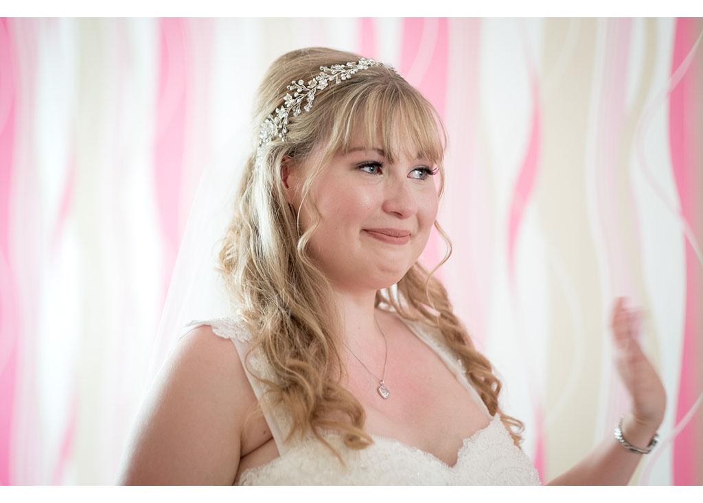 Rayleigh Wedding photo photos photographer Rayleigh Essex wedding church photography eyeshine bride bridal preparations