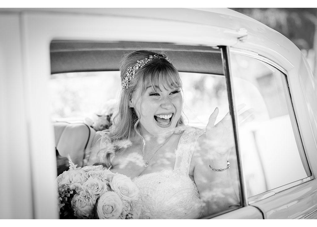 Rayleigh Wedding photo photos photographer Rayleigh Essex wedding church photography eyeshine flowers bouquet bride