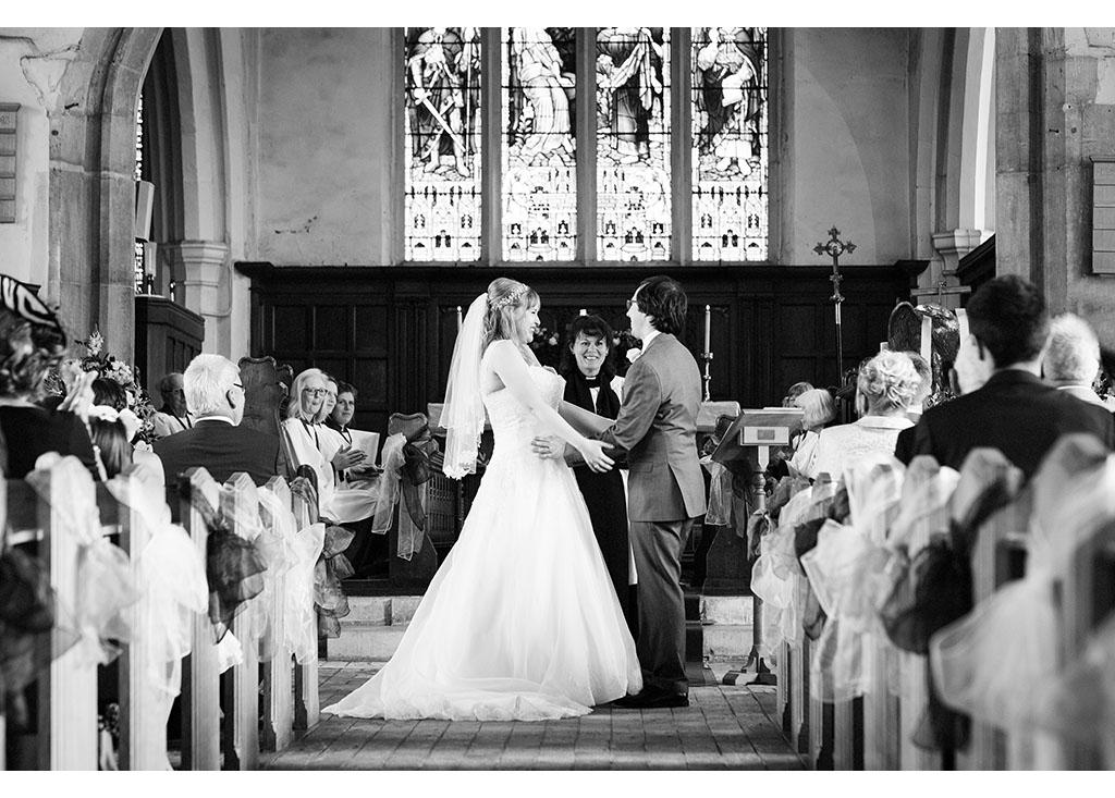 Rayleigh Wedding photo photos photographer Rayleigh Essex wedding church photography eyeshine bride groom married