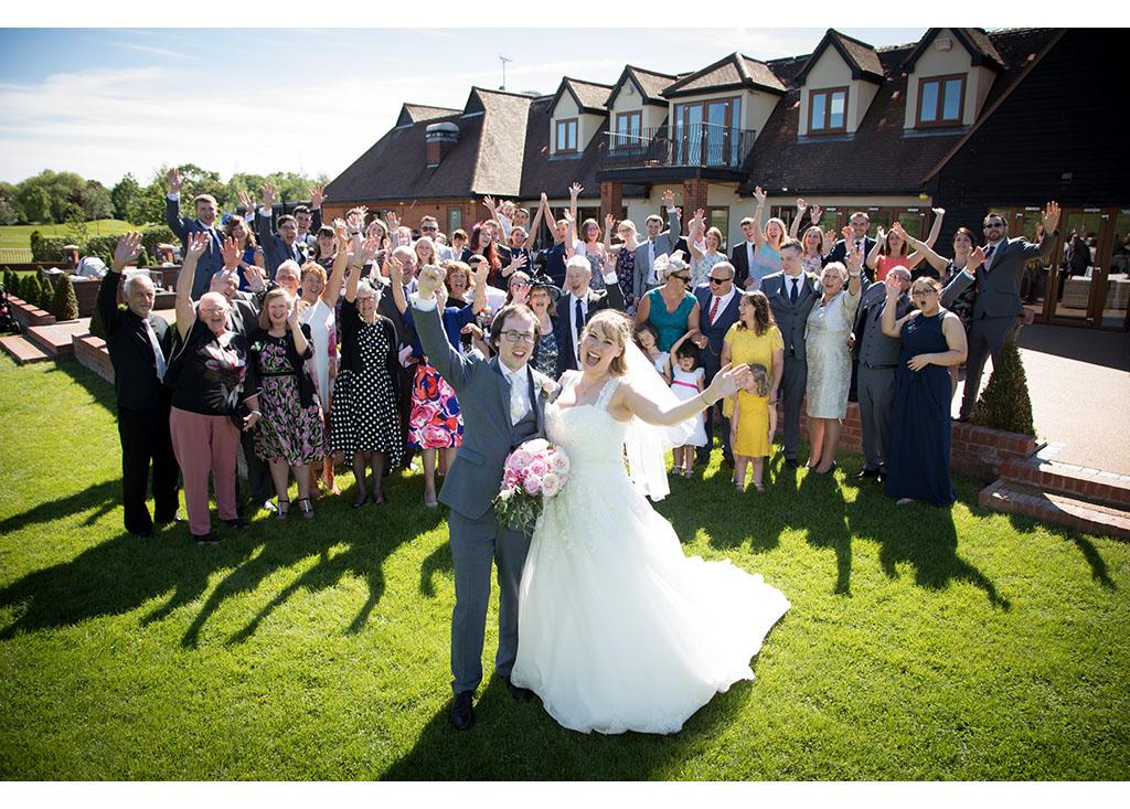 Rayleigh Wedding photo photos photographer Rayleigh Essex wedding reception photography eyeshine brdie groom couple married