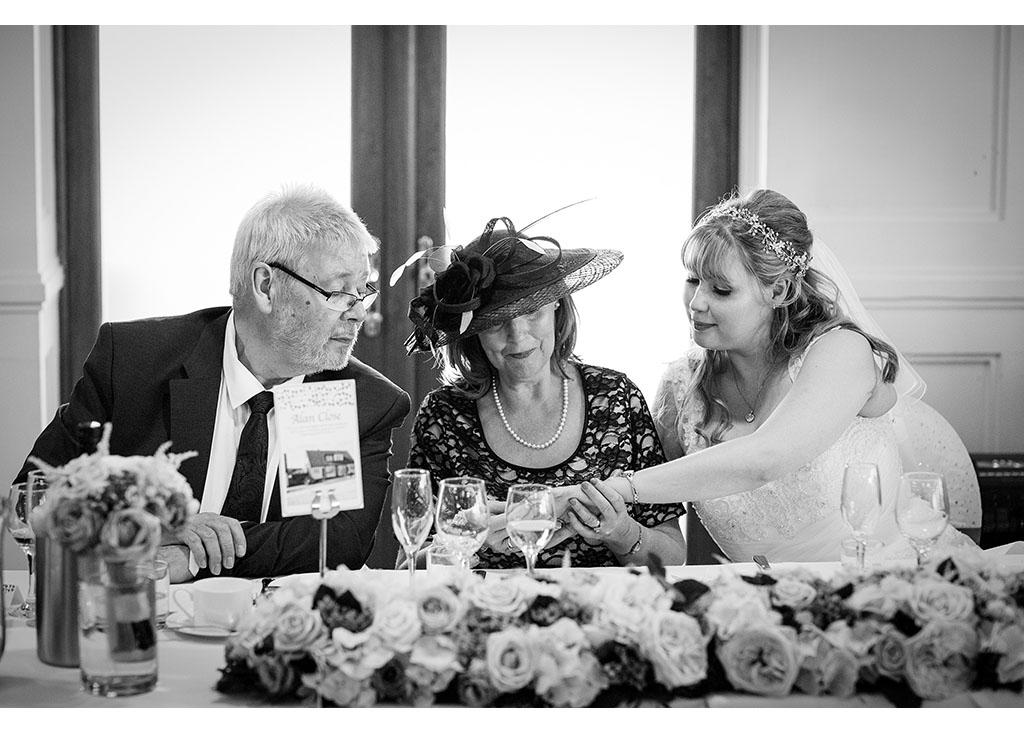 Rayleigh Wedding photo photos photographer Rayleigh Essex wedding reception photography eyeshine bride mother of the bride
