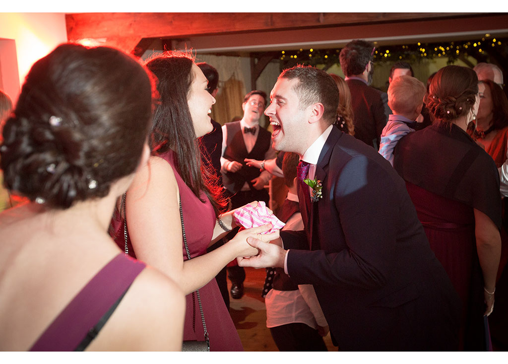 The Compasses at Pattiswick Essex autumn wedding photographer photos Eyeshine Photography, reportage, documentary, photo