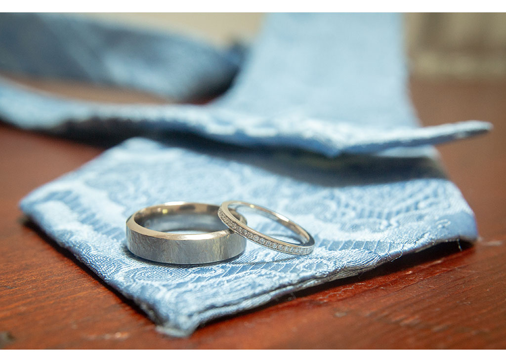 wedding ring close up photography