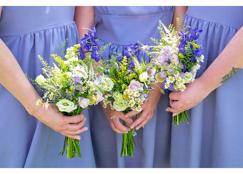 bridesmaids bouquets photography
