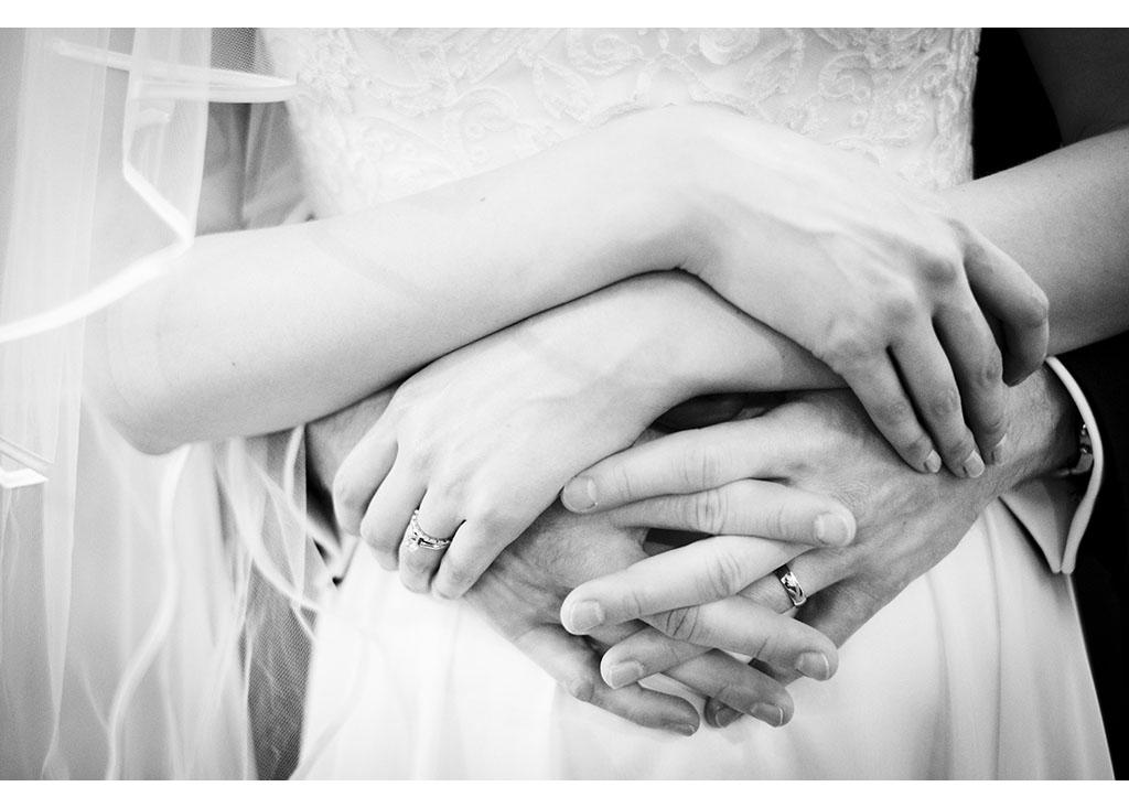 wedding rings photograph